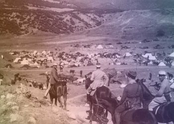 Visite de militaires français chez les tribus de Zayan.